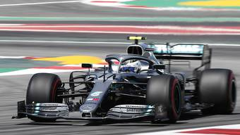 WM-Leader Valtteri Bottas im Mercedes fährt im ersten Training für den GP von Spanien Bestzeit