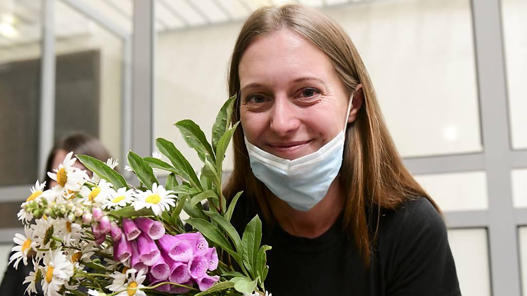 Russische Journalistin in umstrittenem Verfahren verurteilt