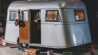 """Der Oldtimer-Wohnwagen, """"Model C Travelodge"""" des Automobilherstellers Pierce-Arrow ging hat bei einer Auktion in den USA für 40'000 Dollar an einen neuen Besitzer."""