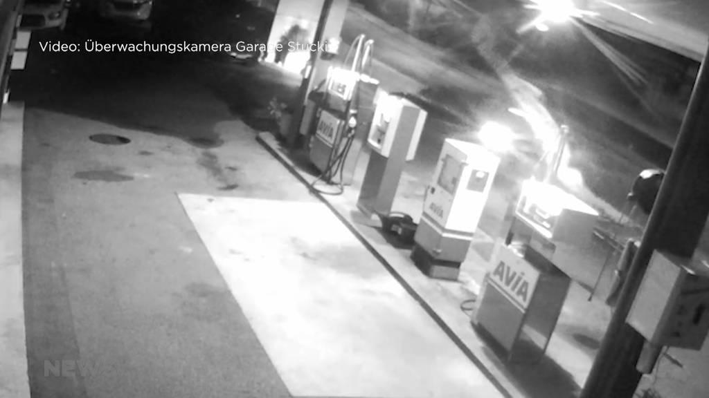 Fahrerflucht nach Unfall an Tankstelle
