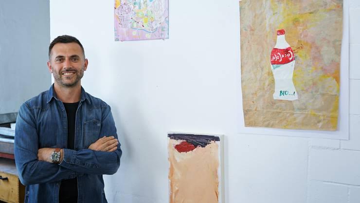Adem Dërmaku entdeckte während seiner Zeit an der Kunstakademie den Kunstdruck.