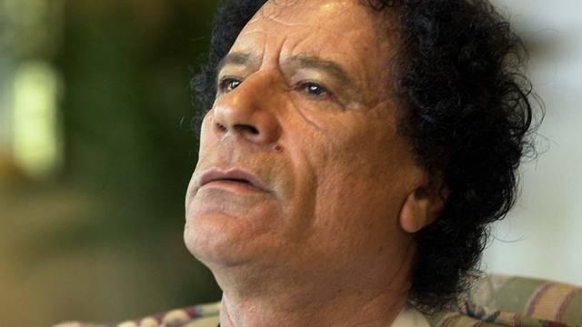 Muammar al-Gaddafi soll sich nahe der algerischen Grenze befinden (Archiv)