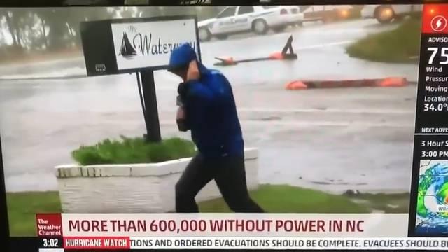 Über diesen Sturm-Reporter witzelt das Netz