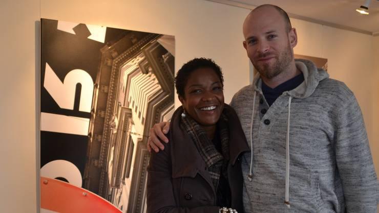 Dominique Andereggen mit Partnerin Solange in seiner Galerie beim Bürgisserhus. sl