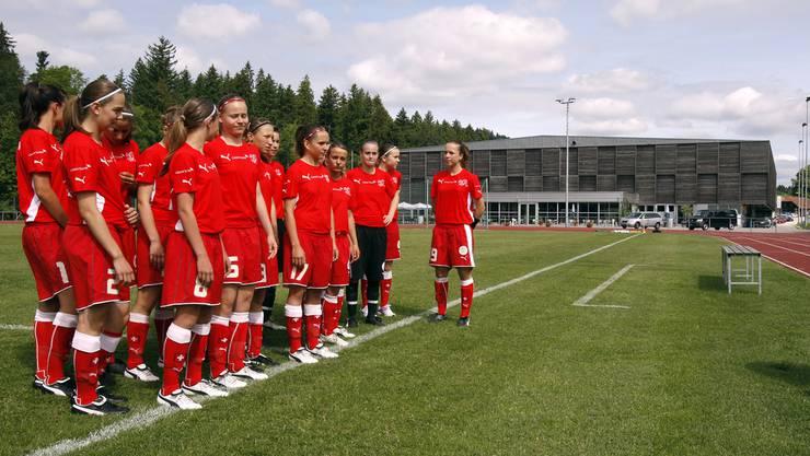 Hier kicken die Damen: Beim Sportzentrum Huttwil (Archiv)