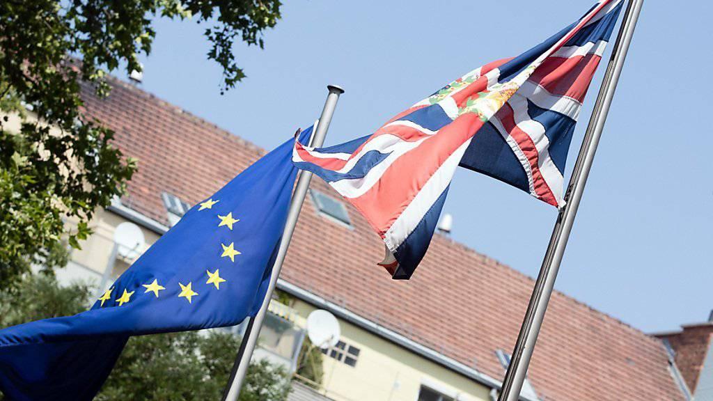 Der Austritt Grossbritanniens aus der Europäischen Union (EU) wird auch Auswirkungen auf die Beziehungen der Schweiz mit dem Vereinigten Königreich haben. Bis das noch auszuhandelnde Austrittsabkommen gültig wird, bleibt vorerst alles beim Alten. (Symbolbild)