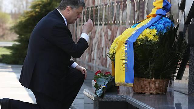 Petro Poroschenko gedenkt der Opfer von Tschernobyl