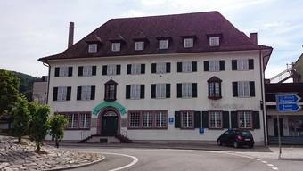 Das Hotel-Restaurant Bahnhof in Döttingen, auch Monti genannt, nach dem ehemaligen Besitzer Willi Monti.