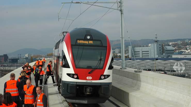 Meilensteine: 2015 erfolgte die Eröffnung der Durchmesserlinie, die die Kapazität des Hauptbahnhofs Zürich erheblich erweiterte.