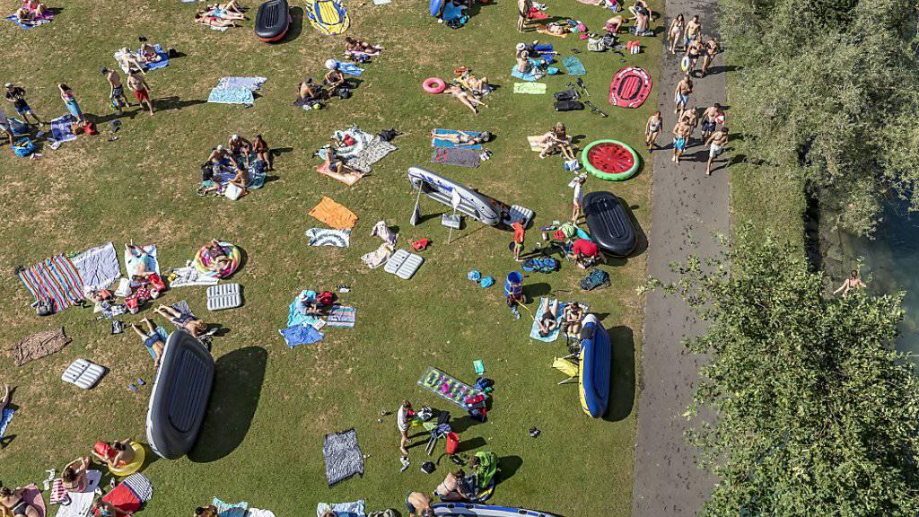 Sonnenschutz ist nicht nur in der Badi oder am Strand angezeigt: Blick auf das Marzili-Bad in Bern. (Themenbild)