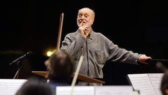 Der Dirigent Kurt Masur beim Proben. Der langjährige Leipziger Gewandhauskapellmeister ist im Alter von 88 Jahren gestorben. (Archiv)