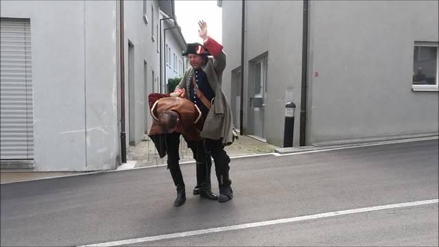 Ein Gauner flüchtet sich ins Kloster