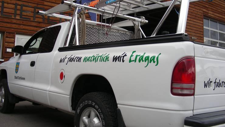 Ein weisses Auto des Werkhofs Schlieren. (Archiv)