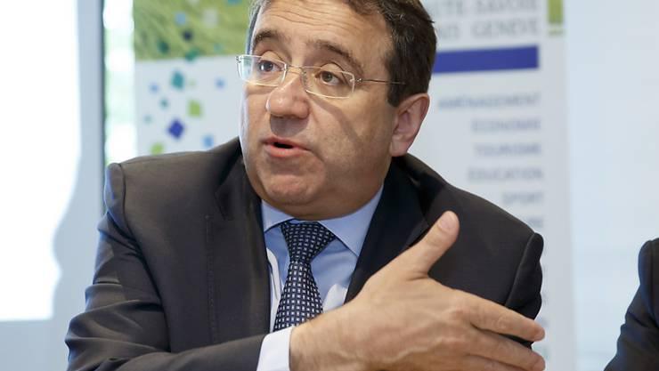 Der Waadtländer Staatsrat Pascal Broulis (FDP) hält eine Medienförderung durch die Kantone für sinnvoll. Die Situation der Medien sei kritisch. (Archiv)