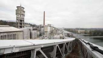 Die Zellulosefabrik Borregaard steht seit November 2008 still: Jetzt werden für Maschinen und Anlagen Käufer gesucht, was auf dem riesigen Areal dereinst entstehen soll, bleibt vorerst offen. (Bild: Felix Gerberr)