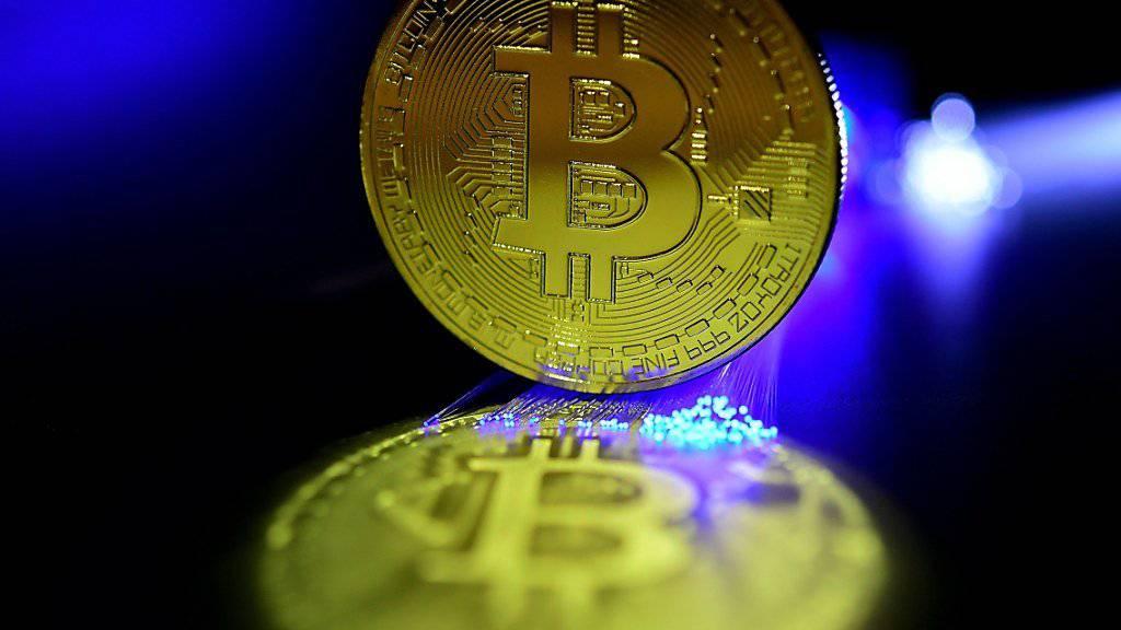 Die Kryptowährung Bitcoin verliert an Glanz: Als Grund gelten neue Pläne der US-Bank Goldman Sachs. (Symbolbild)