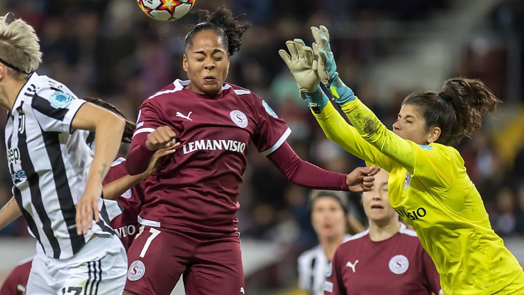 Servette-Goalie Ines Pereira wehrte sich mit ihren Teamkolleginnen nach Kräften gegen die überlegenen Turinerinnen