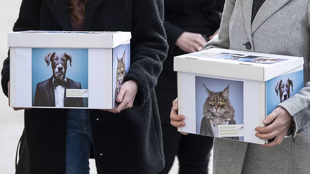 Schweiz soll Ausstieg aus Tierversuchen einleiten