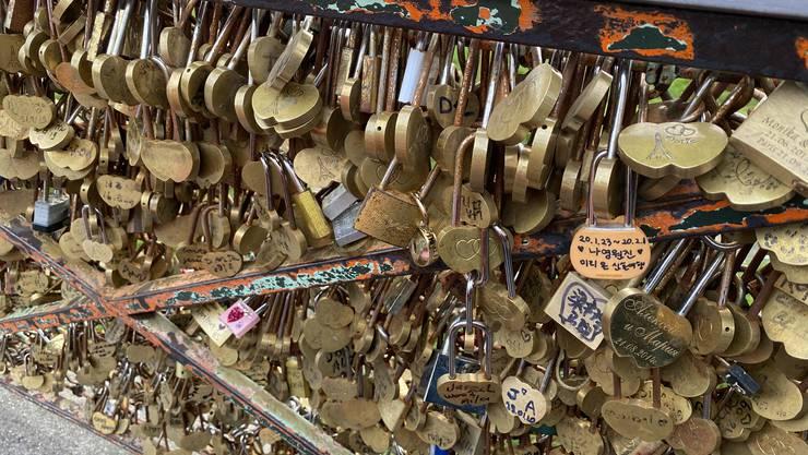 💘 Pont Neuf in Paris Lauter Liebesversprechen