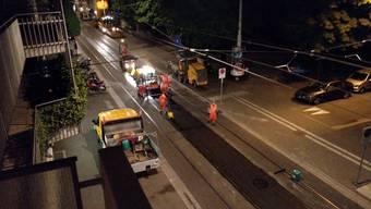 Unerwartete Nachtbaustelle an der Güterstrasse ärgert Anwohner.