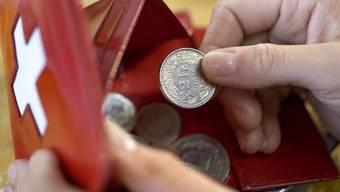 Eine Mehrheit der Schweizerinnen und Schweizer befürwortet gemäss einer Umfrage Mindestlöhne