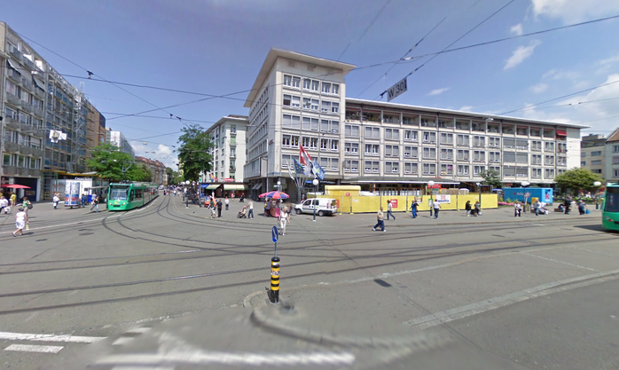 Claraplatz...