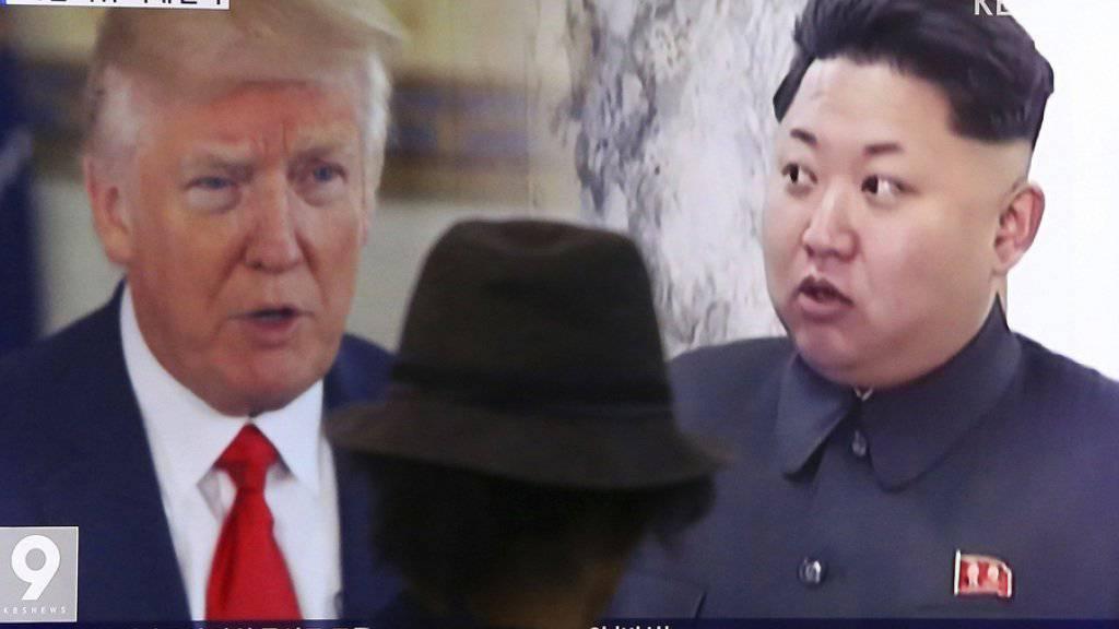 Kim hat Trump als «alt» beleidigt, Trump versicherte, er würde Kim «niemals als ‹klein und fett›» bezeichnen.