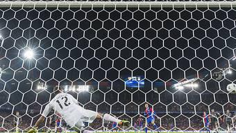 Nicht mehr bei Benfica: Goalie Julio Cesar kassierte in der Champions League in Basel fünf Gegentreffer