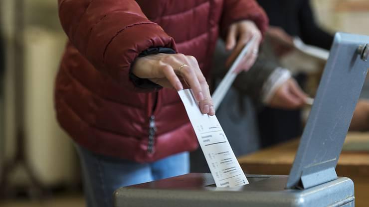 An der Statistik über die Wahlbeteiligung bei den Grossratswahlen beteiligten sich insgesamt 59 Gemeinden. Aus jedem Bezirk sind mindestens vier Gemeinden vertreten. (Symbolbild)