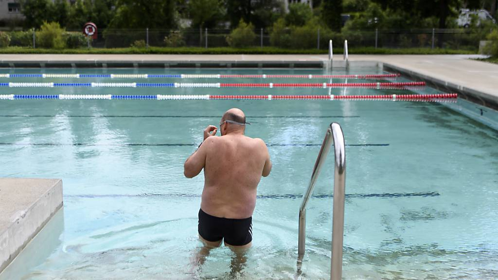 Schwimmbad in Pruntrut führt Wohnsitzpflicht Schweiz ein