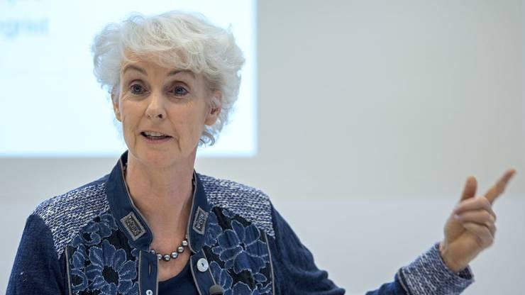Claire-Anne Siegrist hält eine Durchimpfung der Bevölkerung derzeit für falsch. Siegrist war früher Präsidentin der Kommission für Impffragen.