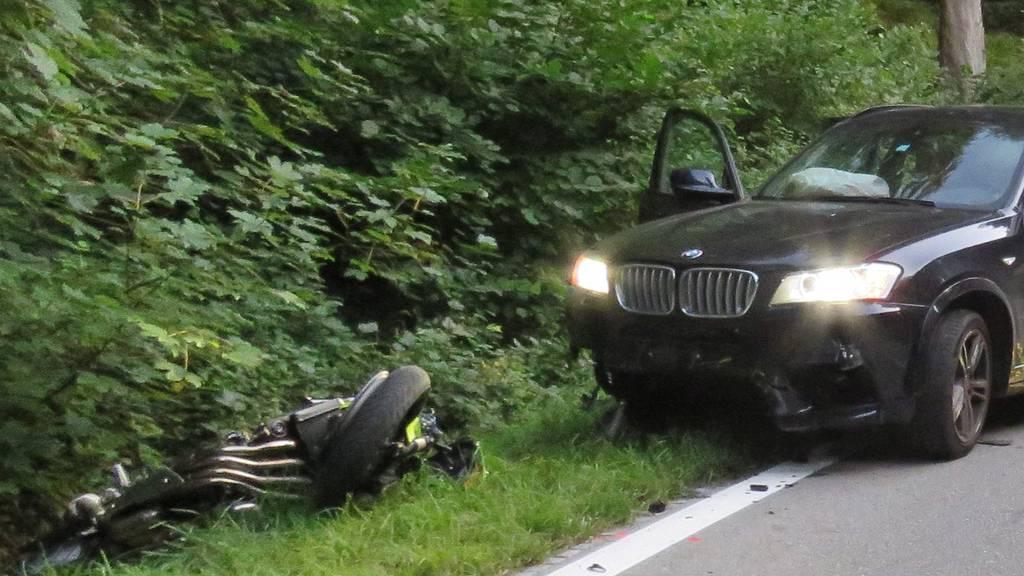Der Verkehrsunfall forderte ein Menschenleben.