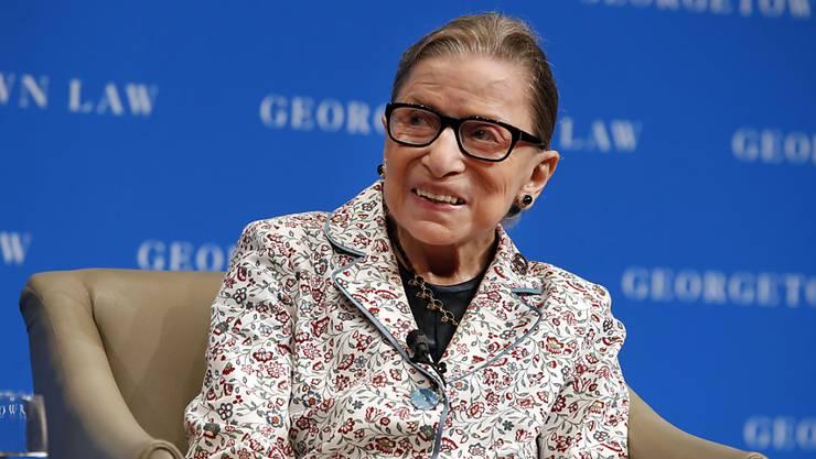 Ruth Bader Ginsburg, die älteste Richterin des US-Supreme-Court, hat sich bei einem Sturz verletzt. (Archiv)