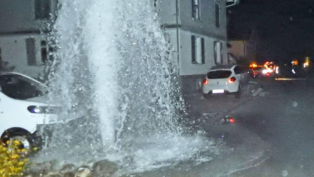 Betrunken einen Hydranten umgefahren