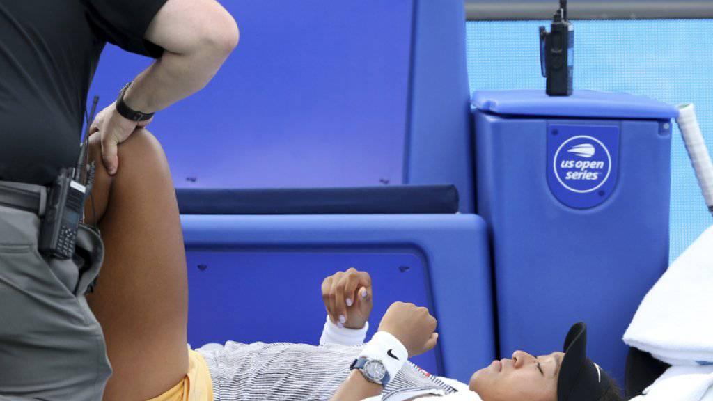 Naomi Osaka musste sich am Knie behandeln lassen, ehe sie zwei Punkte später aufgab