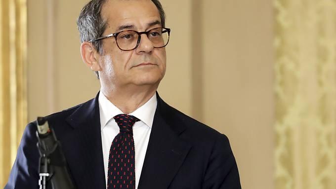 """Italiens Finanzminister Giovanni Tria hat in einem Brief an die EU-Kommission Roms Budget-Plan verteidigt. Man brauche """"Flexibilität für besondere Ereignisse"""", soll es im Brief heissen mit Verweis auf den Brückeneinsturz in Genua und den schweren Unwettern vor zwei Wochen."""