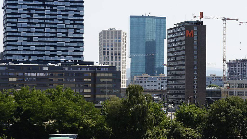 Die Gefahr einer Immobilienblase am Schweizer Immobilienmarkt hat gemäss einem Immobilienbericht von Comparis und der ETH Zürich abgenommen. (Archivbild)