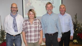 Von links: Marc Chalverat (neuer Gemeinderat), Sarah Signorini (neue Vizepräsidentin), Theodor Bösiger (neuer Gemeindepräsident) und der abtretende Präsident Walter Eggli.
