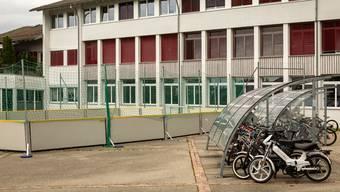 Beim Schulhaus Schwerzgrueb wurden laut Schulpräsident Reto Schoch (CVP) in den vergangenen Monaten immer wieder parkierte Fahrräder manipuliert.