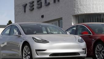 Elektroautos werden immer beliebter: In der Schweiz legten die Verkäufe mit alternativen Antrieben im 2018 um knapp ein Viertel zu.