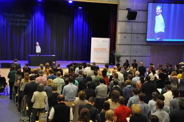 Rund 400 Personen waren aus der ganzen Schweiz angereist, um Vujicic in Dietikon zu hören