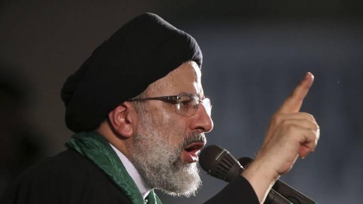 Der ultrakonservative Kleriker Ebrahim Raisi soll laut Menschenrechtlern im Sommer 1988 eine zentrale Rolle bei der Hinrichtung tausender politischer Gefangener gespielt haben. Nun wird er iranischer Justizminister. (Archivbild)