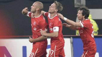 Schahin (links) zweifacher Torschütze gegen Schalke