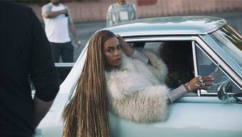 Der amerikanische Superstar Beyoncé inszeniert sich und ihr neues visuelles Album «Lemonade» grandios in einem gut einstündigen Video-Clip. screenshot/HO