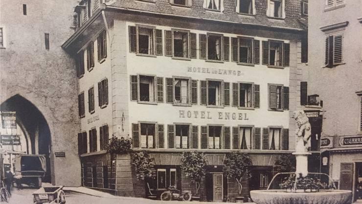 Der Löwenbrunnen in Baden (hier 1928) wurde von Elefanten des Circus Knie in früheren Jahren leergetrunken. ZVG