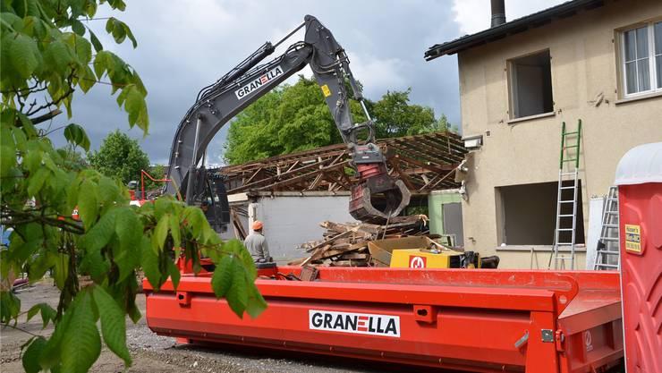Hier wohnte früher die Familie des IBB-Direktors. Jetzt werden die Gebäude an der Museumsstrasse in Brugg abgerissen. Bald entsteht aber Neues.