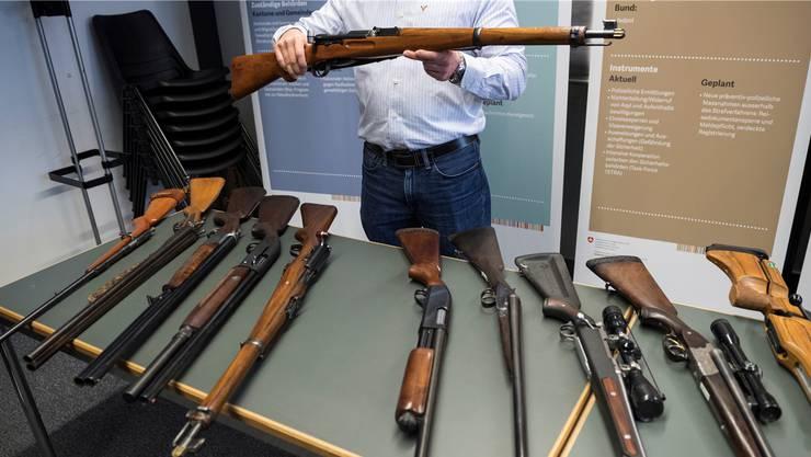 Über das umstrittene Waffengesetz wird am 19. Mai abgestimmt.