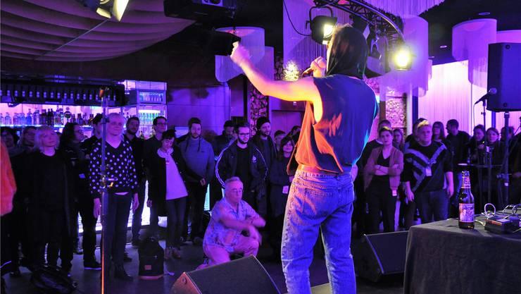 Wahre Performancekünstler: «Tatum Rush» läuteten am Samstagabend im Club Joy die Partynacht ein.