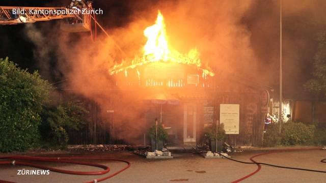 Brand zerstört Restaurant in Rümlang