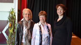Wechsel bei den Murianer Landfrauen: Edith Villiger (links) hört auf, Edith Nietlispach (rechts) arbeitet neu im Vorstand unter der Leitung von Bernadette Barmettler mit.ES